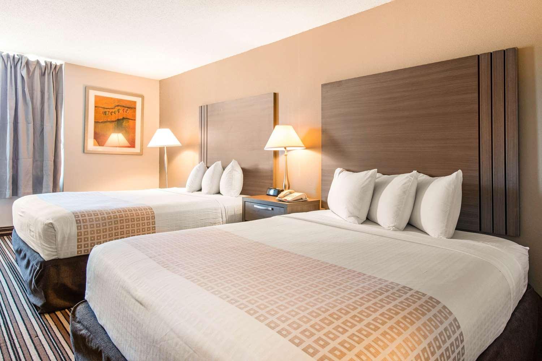 Room - Econo Lodge Airport Orlando