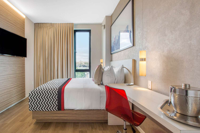 Room - Insignia Hotel Brooklyn