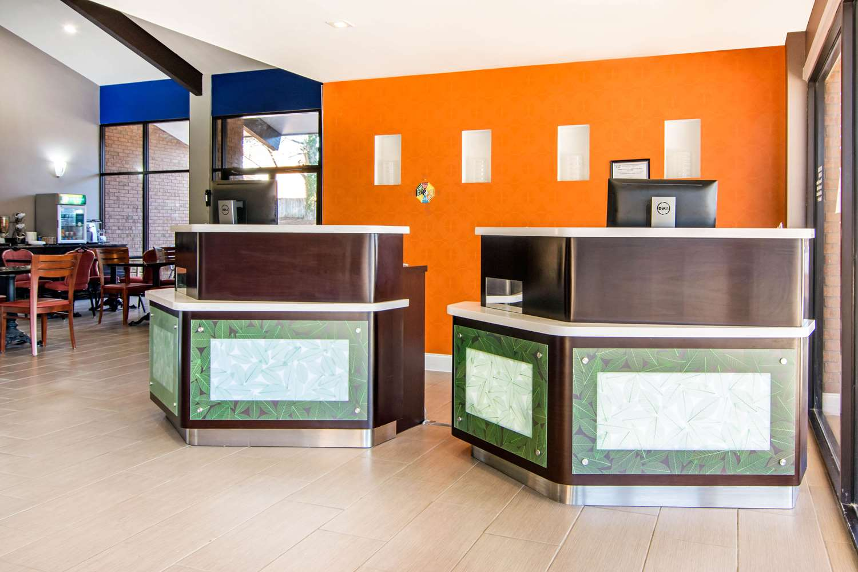Lobby - Quality Inn Toccoa