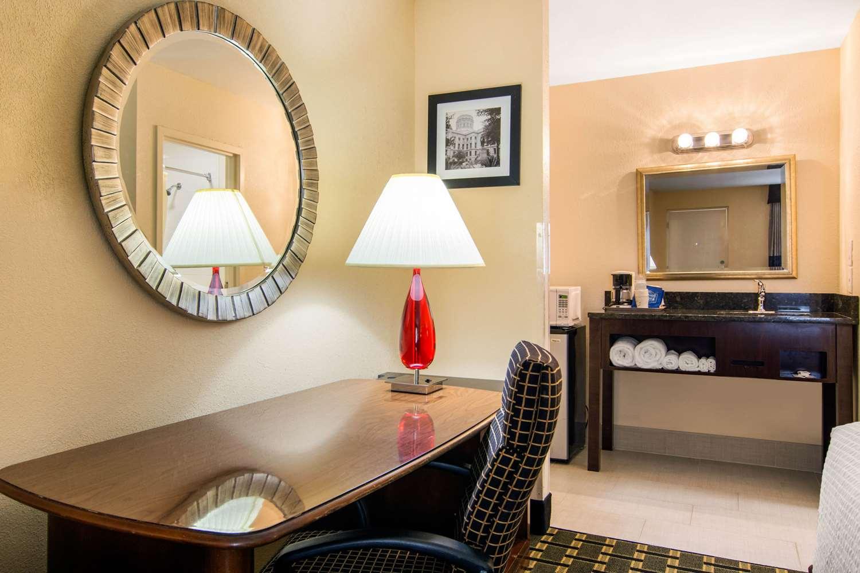 Room - Quality Inn Toccoa