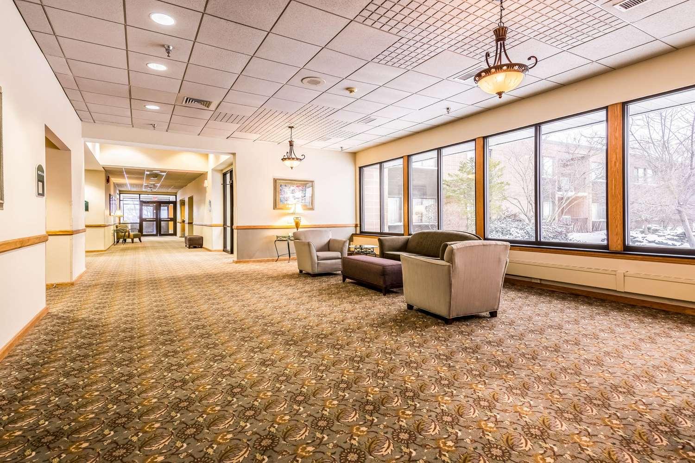 Lobby - Quality Inn Waterloo