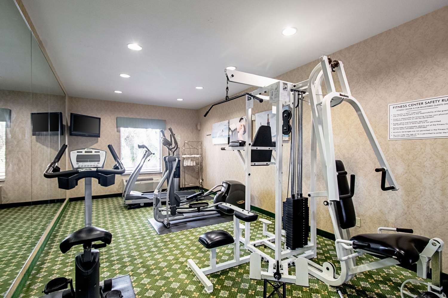 Fitness/ Exercise Room - Quality Inn & Suites Robstown