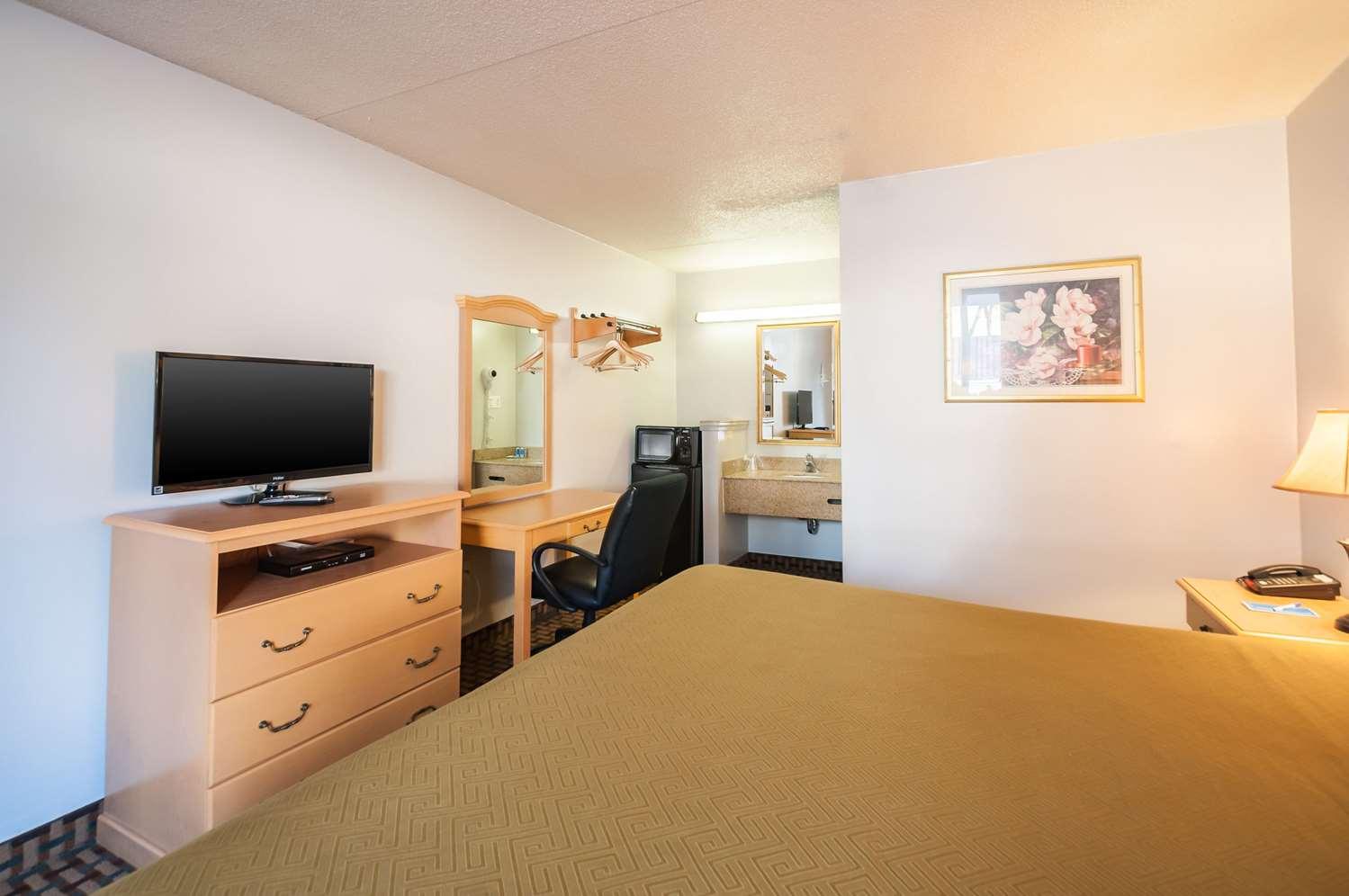 Room - Rodeway Inn Elkridge