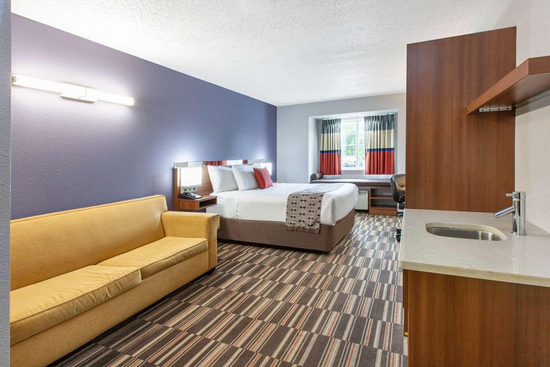 Suite - Microtel Inn & Suites by Wyndham West Pittsburgh