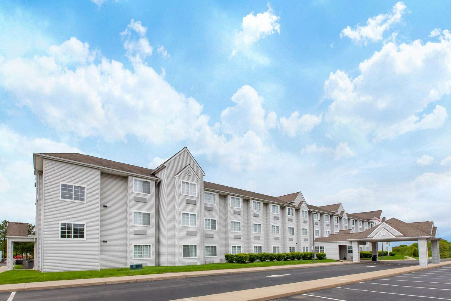 Exterior view - Microtel Inn & Suites by Wyndham West Pittsburgh