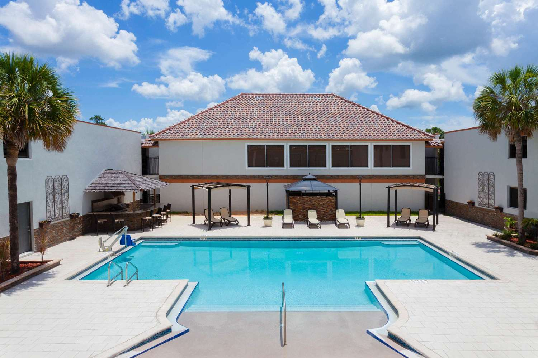 Pool - Hawthorn Suites by Wyndham Kissimmee