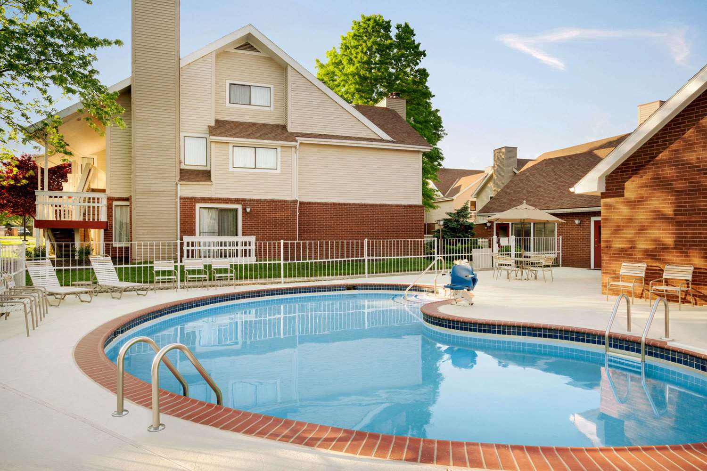 Pool - Hawthorn Suites by Wyndham Tinton Falls