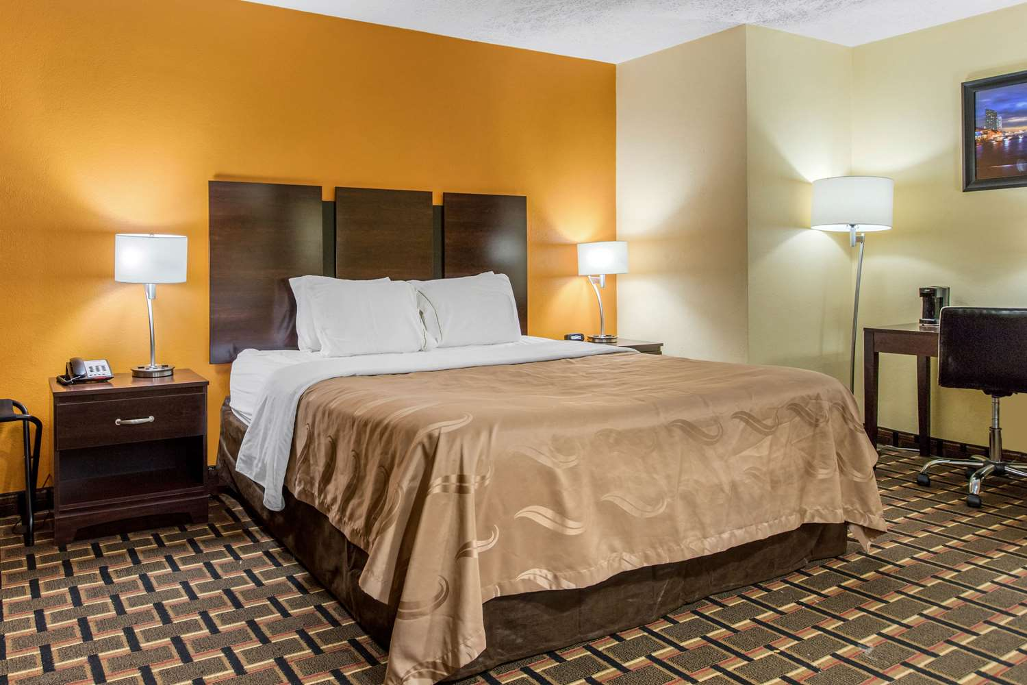 Suite - Quality Inn Wyoming Grand Rapids