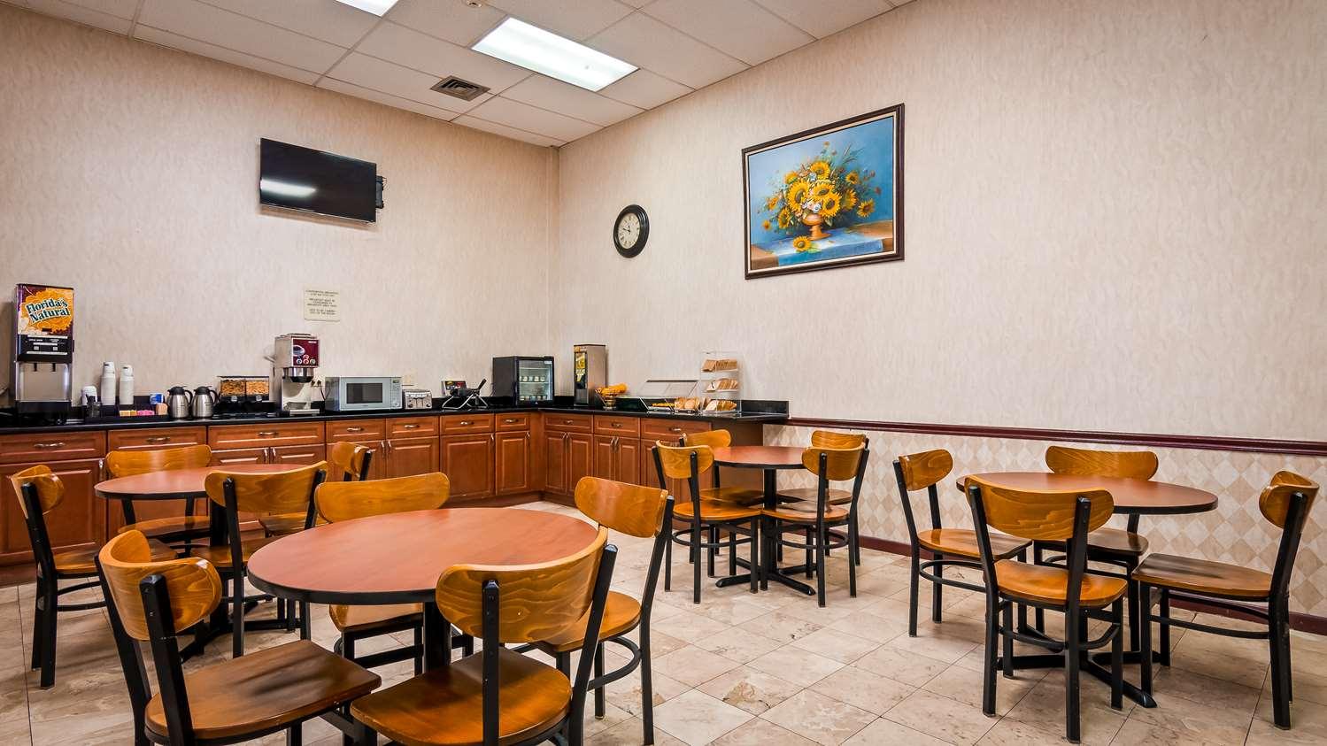 Restaurant - SureStay Hotel by Best Western Bellmawr