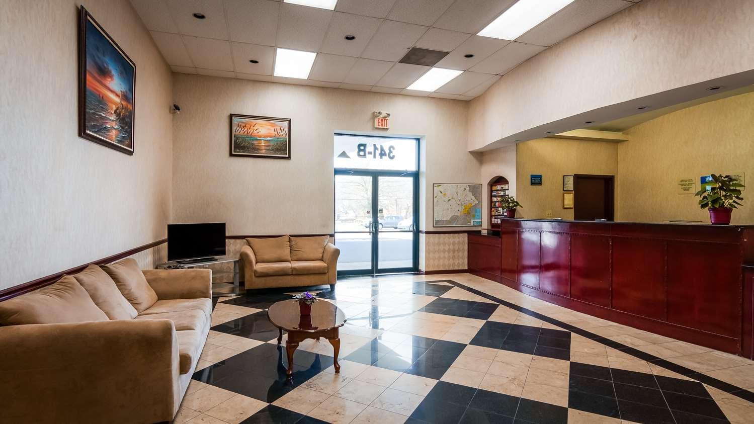 Lobby - SureStay Hotel by Best Western Bellmawr