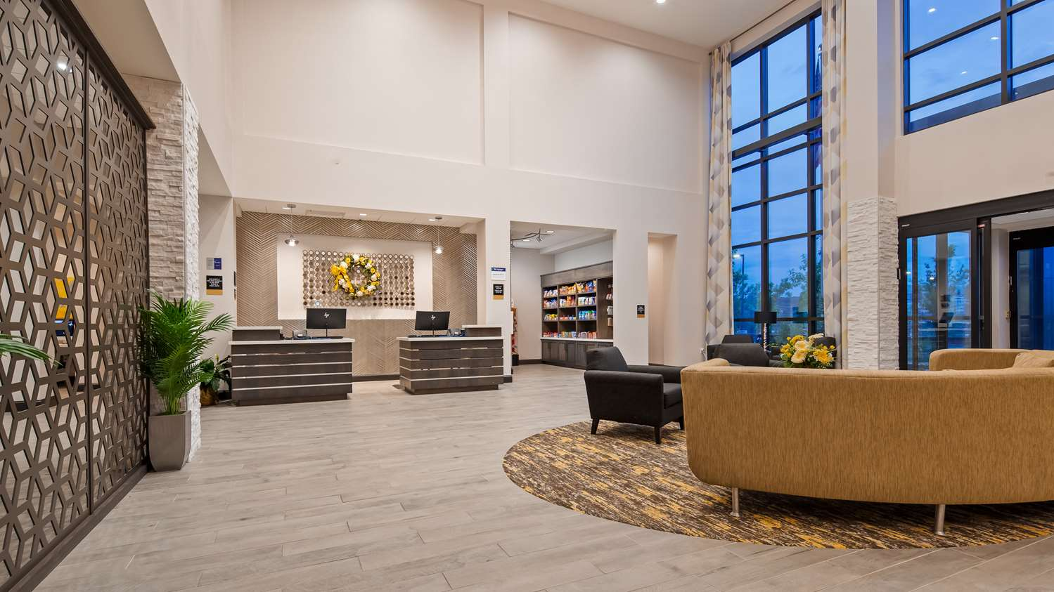 Lobby - Best Western Plus Cranberry Pittsburgh North Hotel