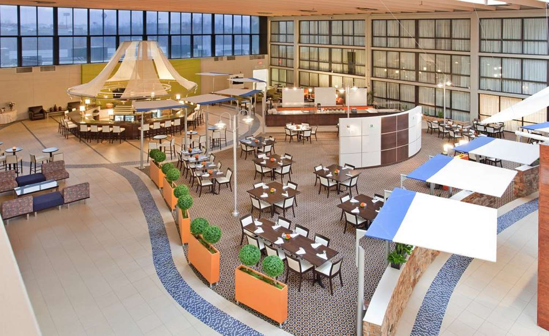 Bar - SureStay Plus Hotel by Best Western Northeast Kansas City