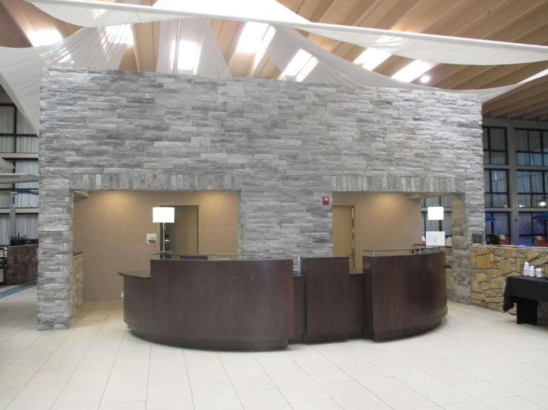 Lobby - SureStay Plus Hotel by Best Western Northeast Kansas City