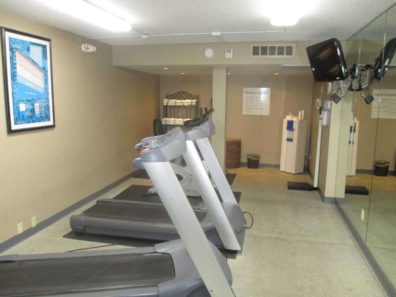 Fitness/ Exercise Room - SureStay Plus Hotel by Best Western Northeast Kansas City