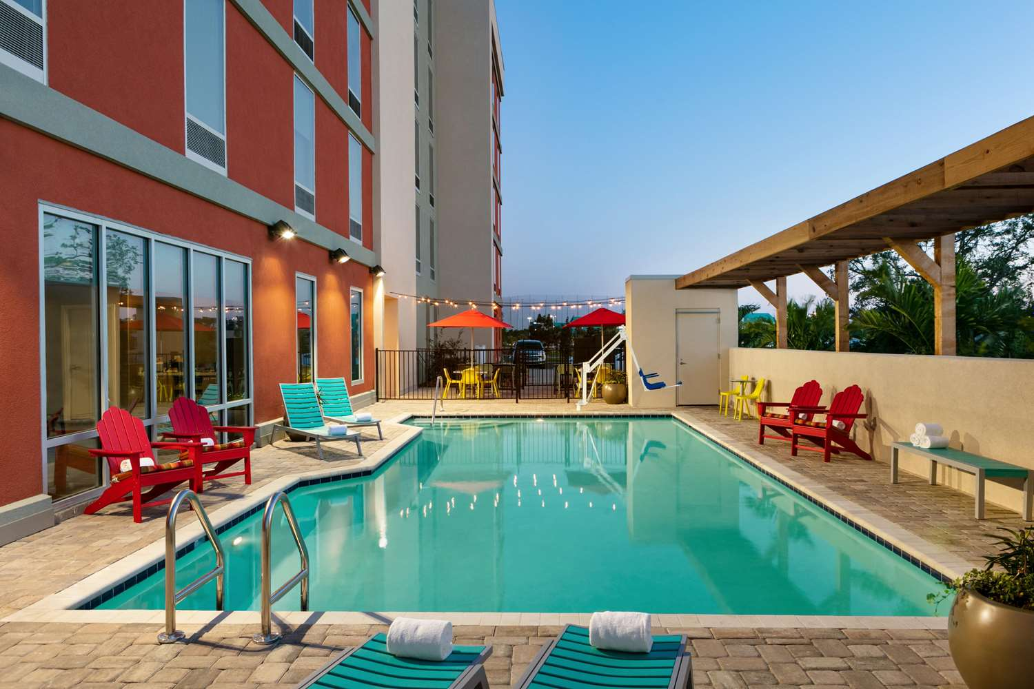 Pool - Home2 Suites by Hilton Brandon