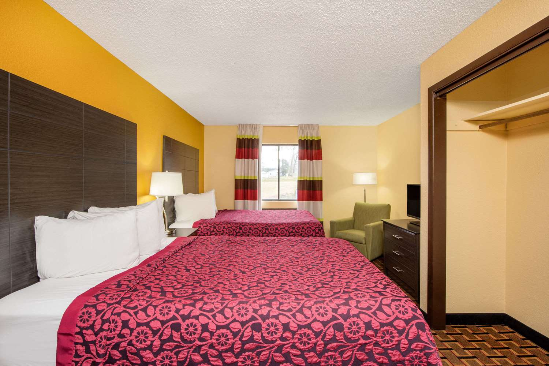 Suite - Days Inn Carthage
