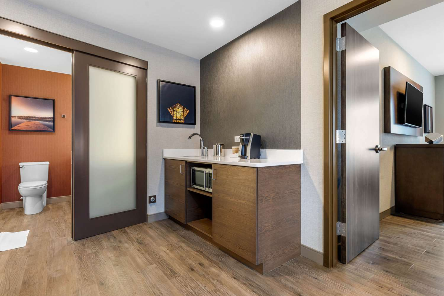 Suite - Cambria Hotel & Suites Downtown Omaha