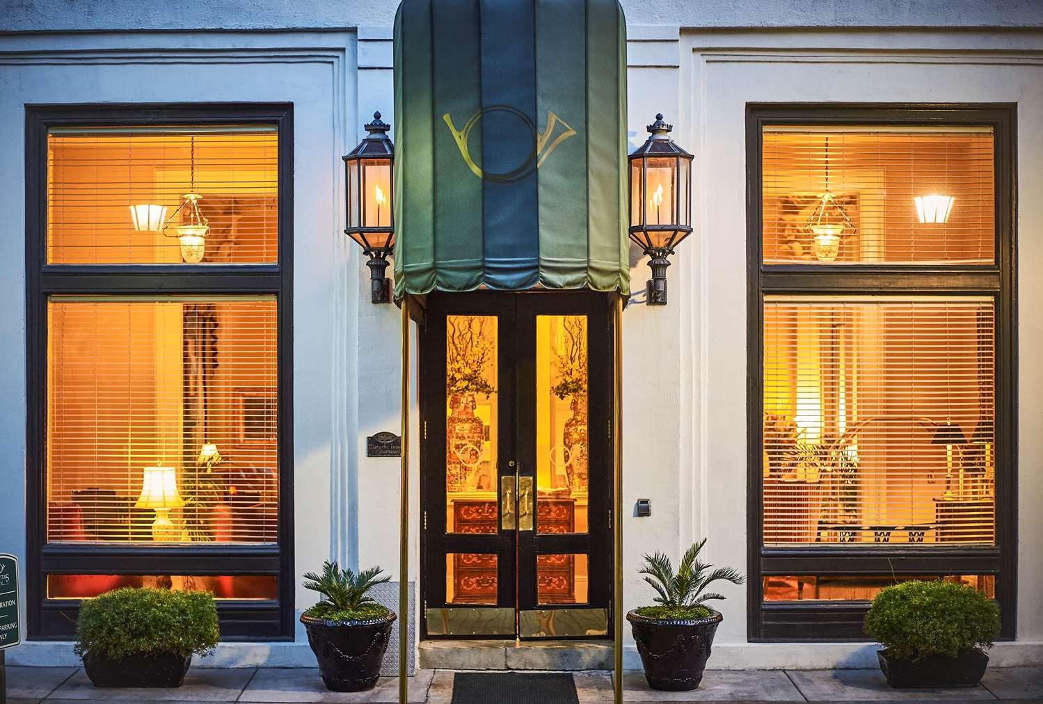 Exterior view - Planters Inn Savannah