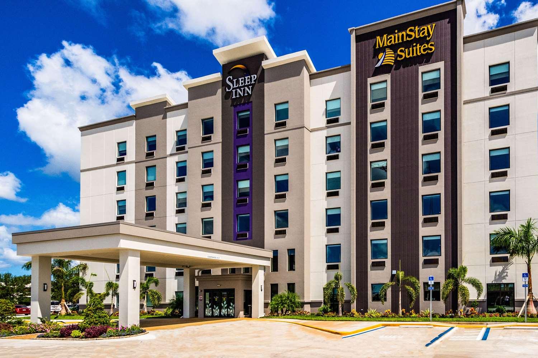 Exterior view - Mainstay Suites University Sarasota