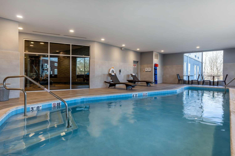 Pool - Cambria Hotel & Suites West Orange