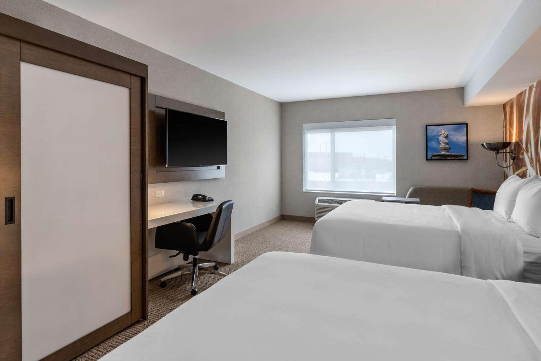 Room - Cambria Hotel & Suites West Orange
