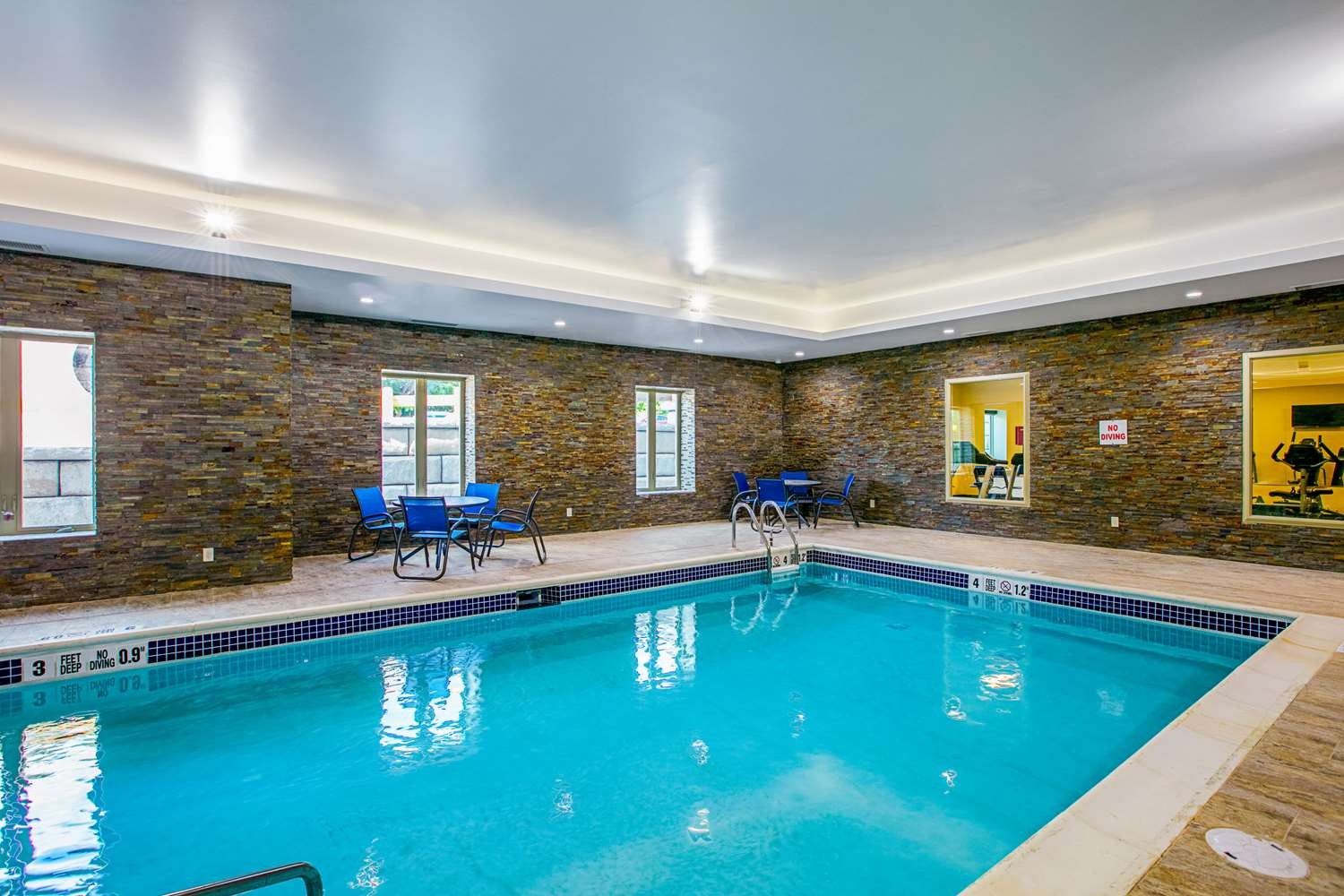 Pool - Comfort Suites Fishkill