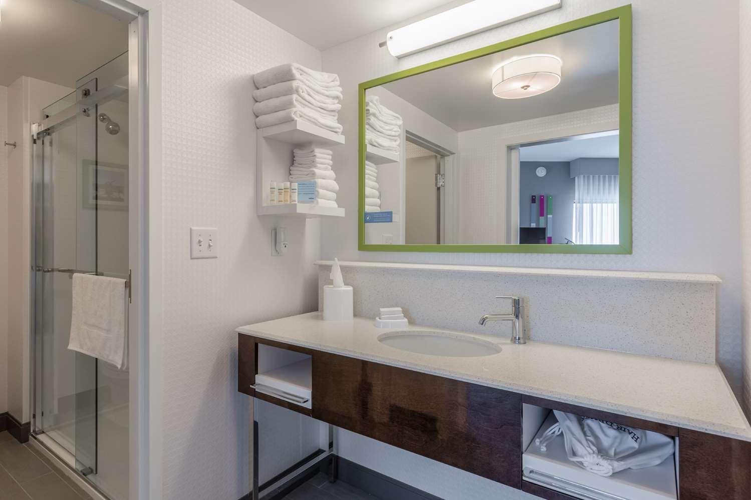 Room - Hampton Inn Burlington