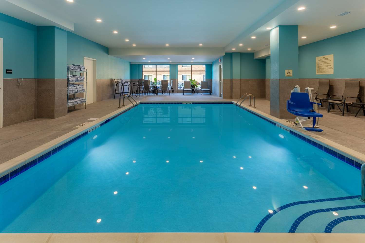 Pool - Hampton Inn Burlington