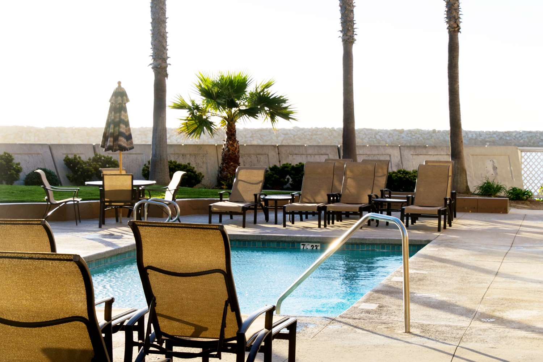 Pool Portofino Hotel Marina Redondo Beach