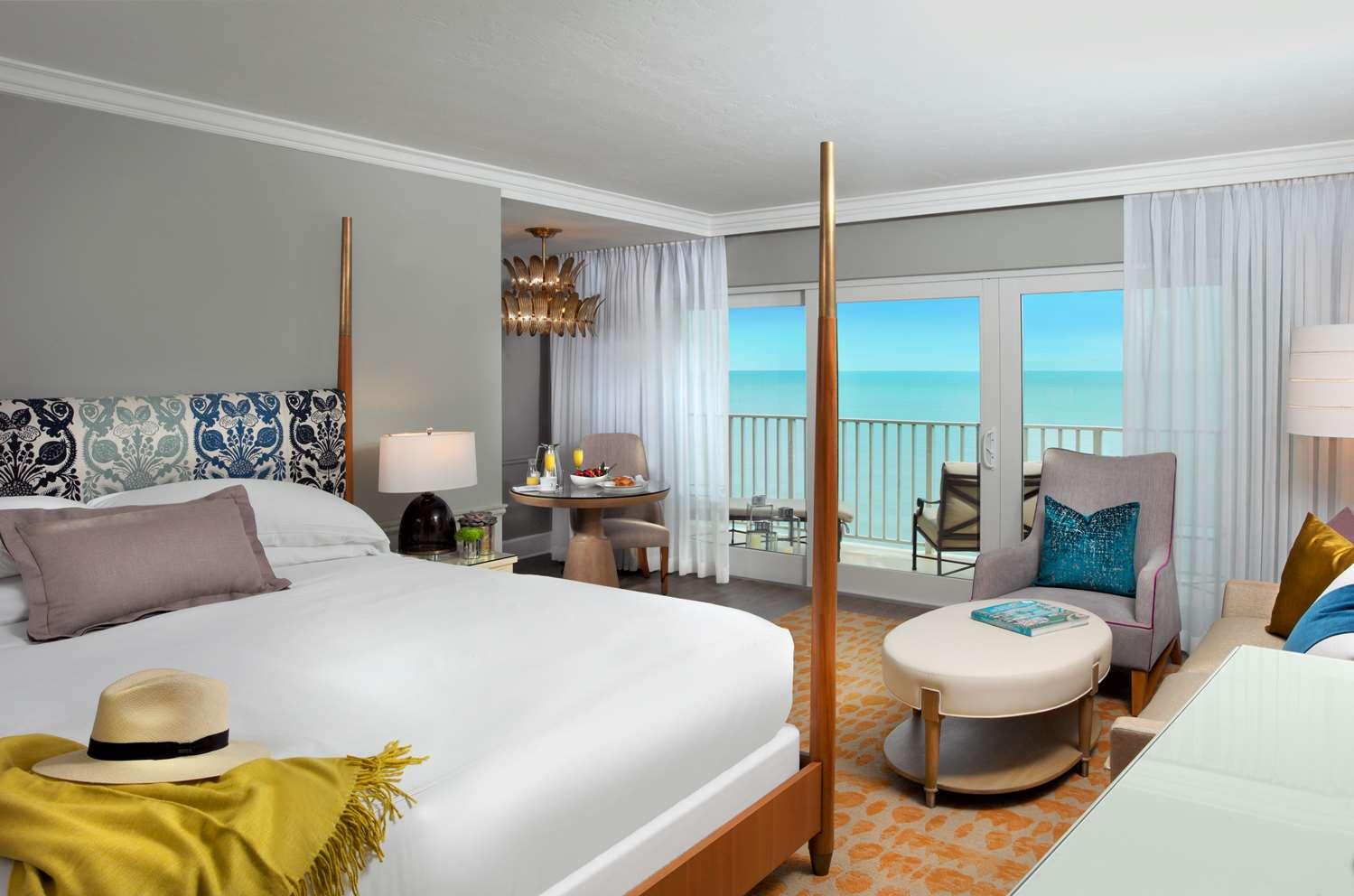 Room - La Playa Beach Golf Resort Naples