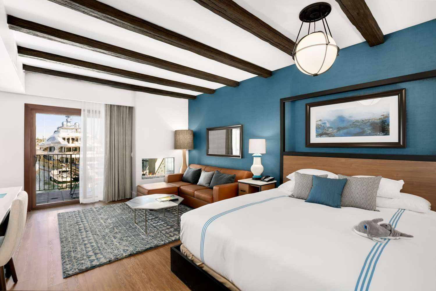 Hotels Near Point Loma Nazarene University