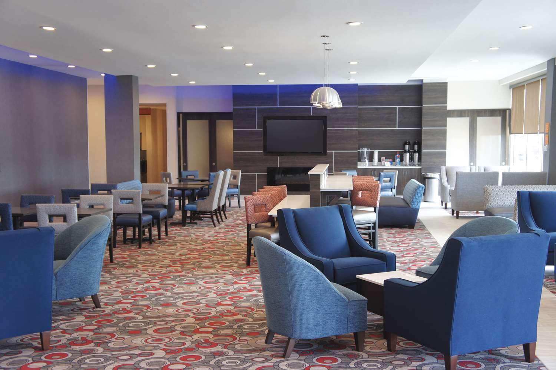 Lobby - La Quinta Inn & Suites McFarland Blvd Tuscaloosa