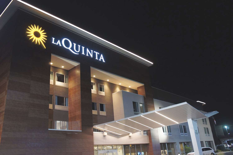 Exterior view - La Quinta Inn & Suites McFarland Blvd Tuscaloosa