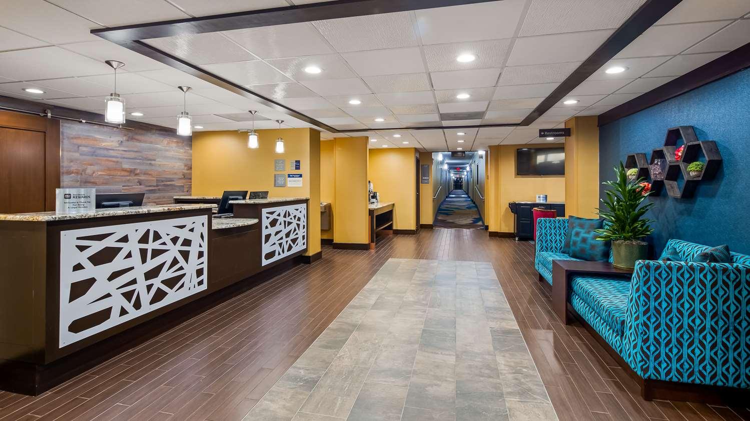 Lobby - Best Western Plus Dallas Love Field North Hotel