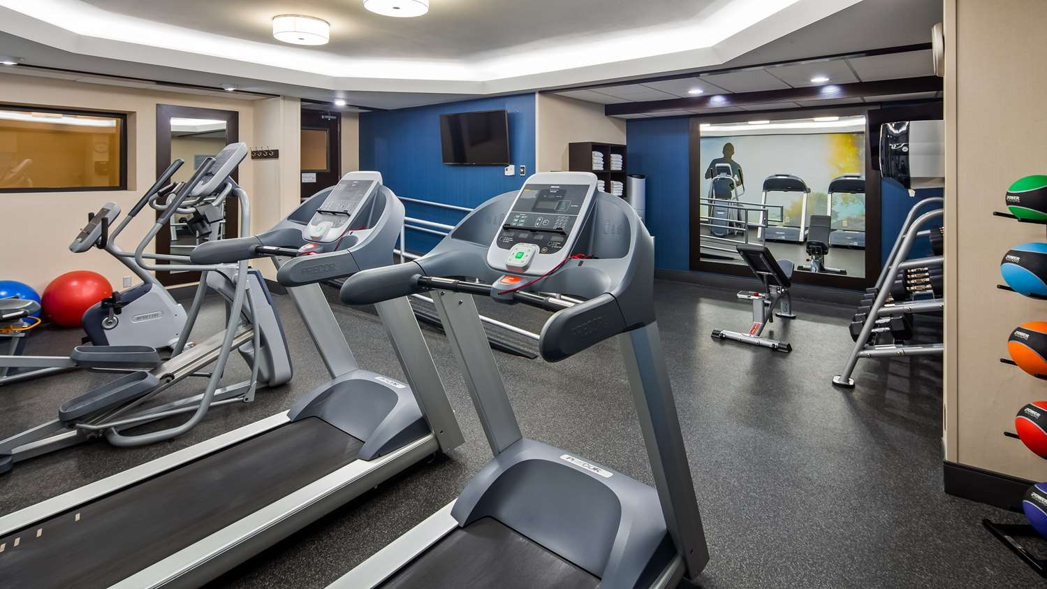 Fitness/ Exercise Room - Best Western Plus Dallas Love Field North Hotel