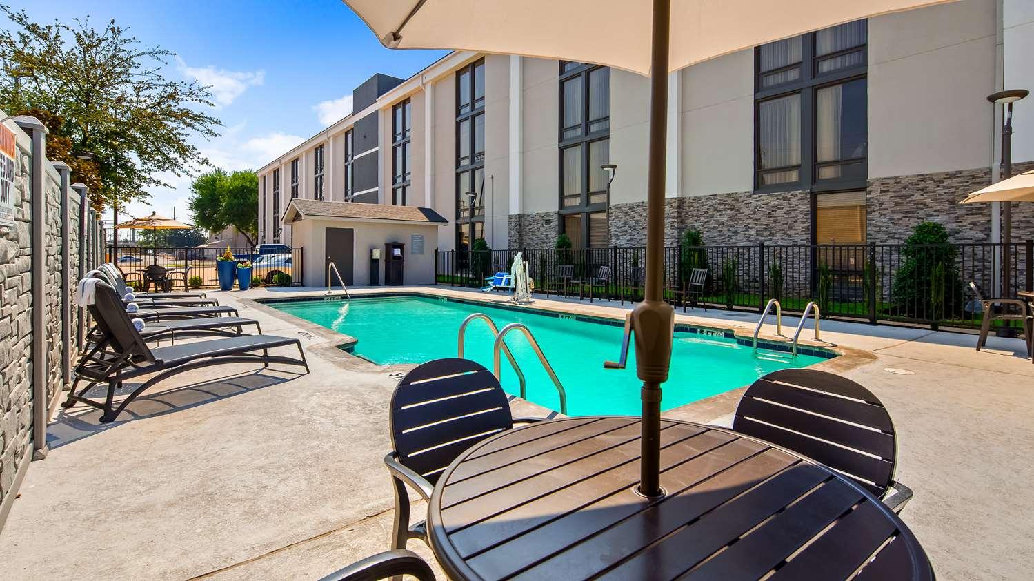 Pool - Best Western Plus Dallas Love Field North Hotel