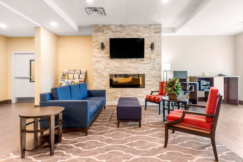 Lobby - Comfort Inn & Suites Bowmanville