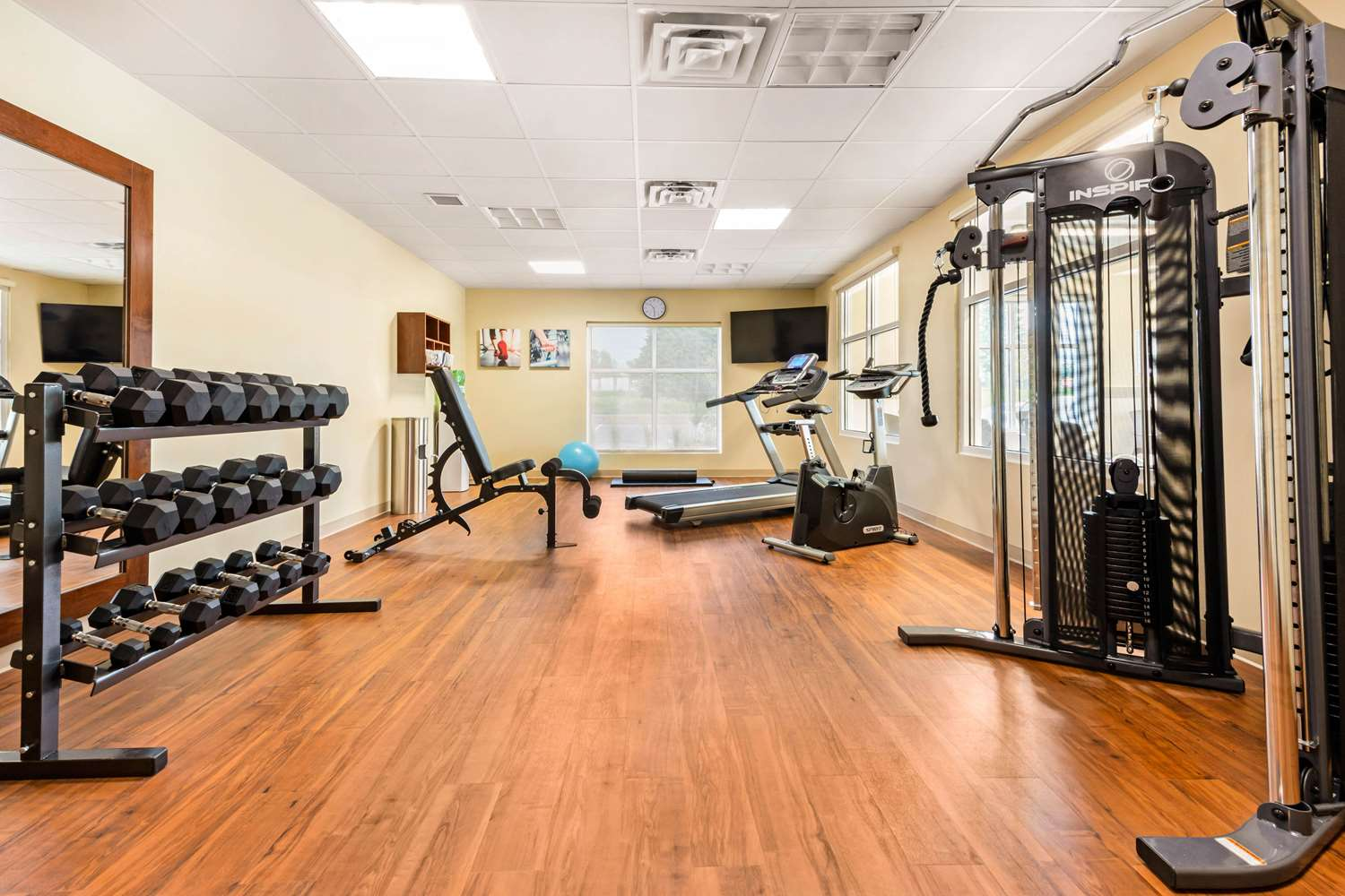 Fitness/ Exercise Room - Comfort Inn & Suites Bowmanville