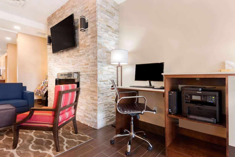 Conference Area - Comfort Inn & Suites Bowmanville