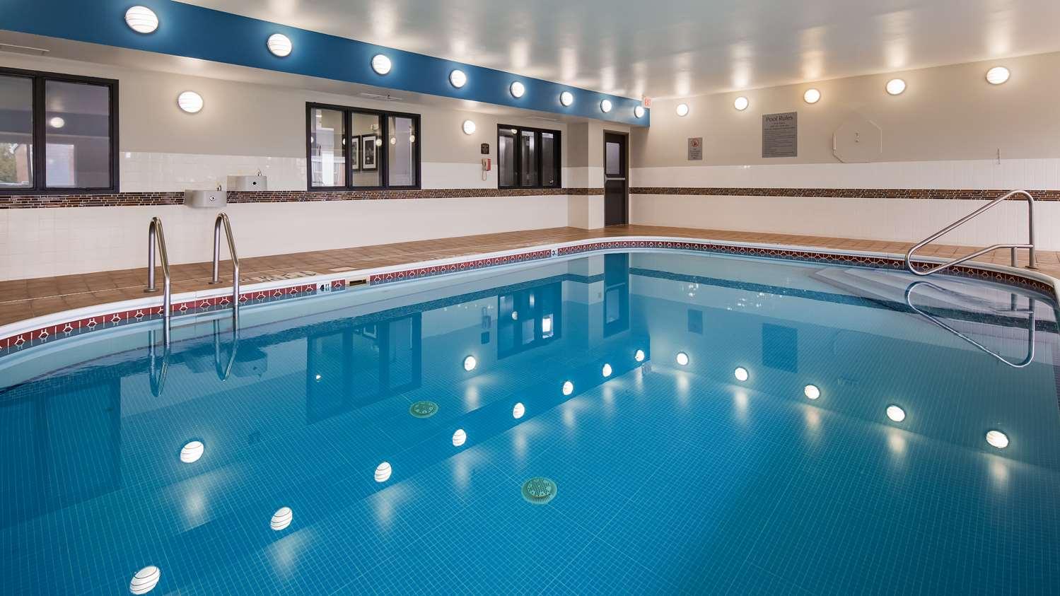 Pool - Best Western Wichita Northeast Hotel