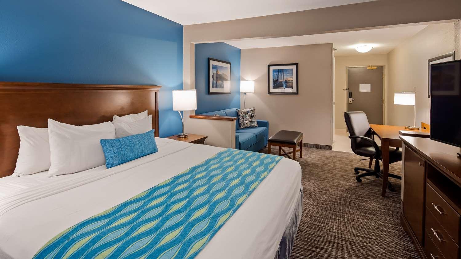 Suite - Best Western Wichita Northeast Hotel