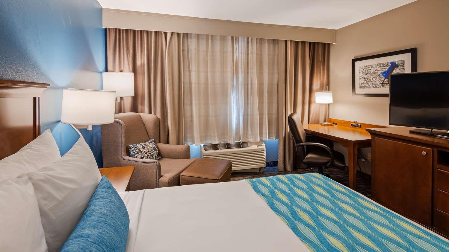 Room - Best Western Wichita Northeast Hotel