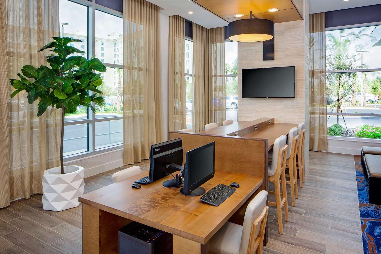 Lobby - Hyatt House Hotel Universal Studios Orlando