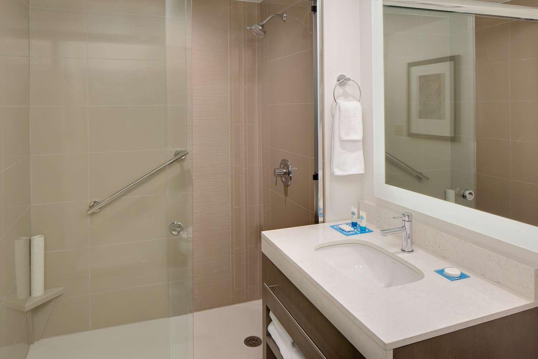 Room - Hyatt House Hotel Universal Studios Orlando