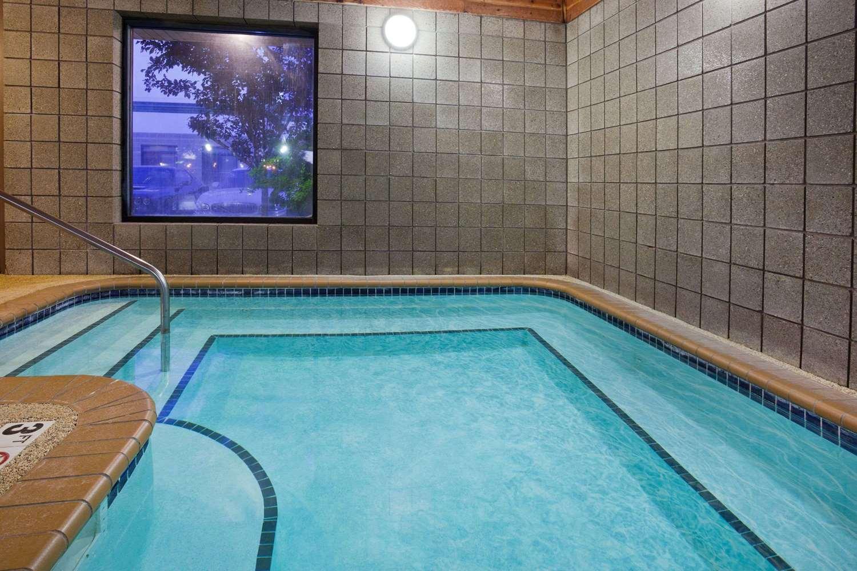 Pool - AmericInn Coon Rapids