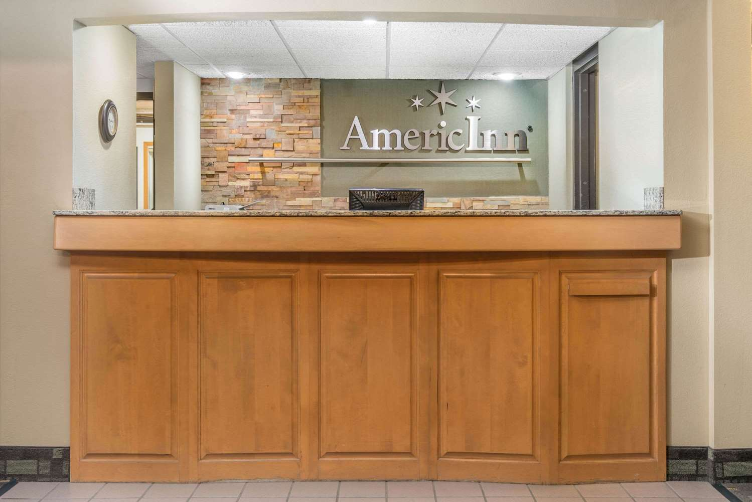 Lobby - AmericInn Lodge & Suites Little Falls