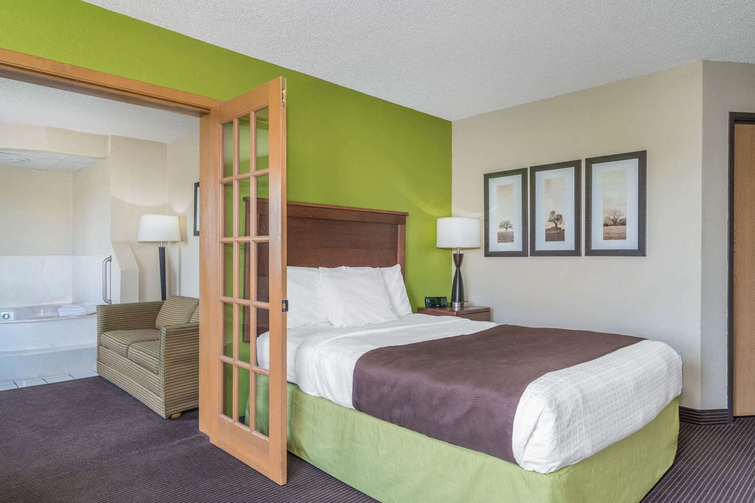 Suite - AmericInn Lodge & Suites Little Falls