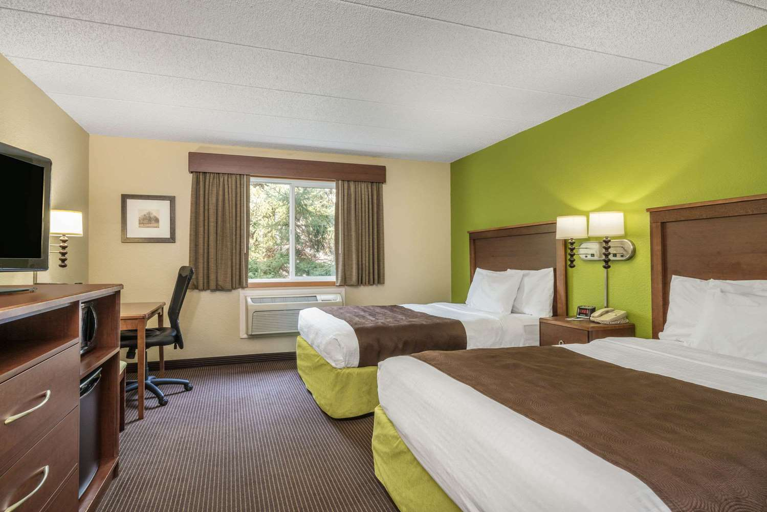 Room - AmericInn Lodge & Suites Little Falls