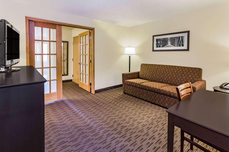 Suite - AmericInn Hotel & Suites Long Lake