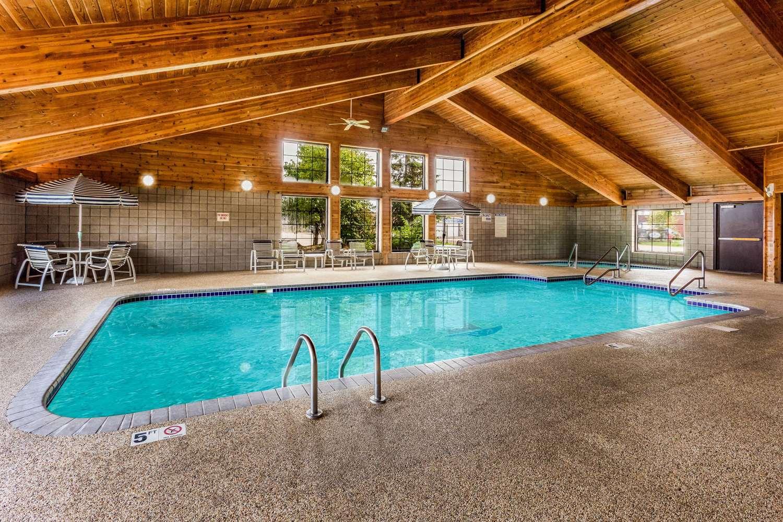 Pool - AmericInn Hotel & Suites Long Lake